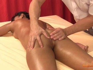 Thai girl Pepsi fucks in massage salon